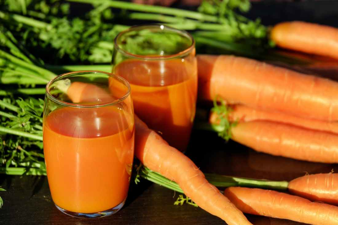 carrot-juice-juice-carrots-vegetable-juice-162670.jpeg